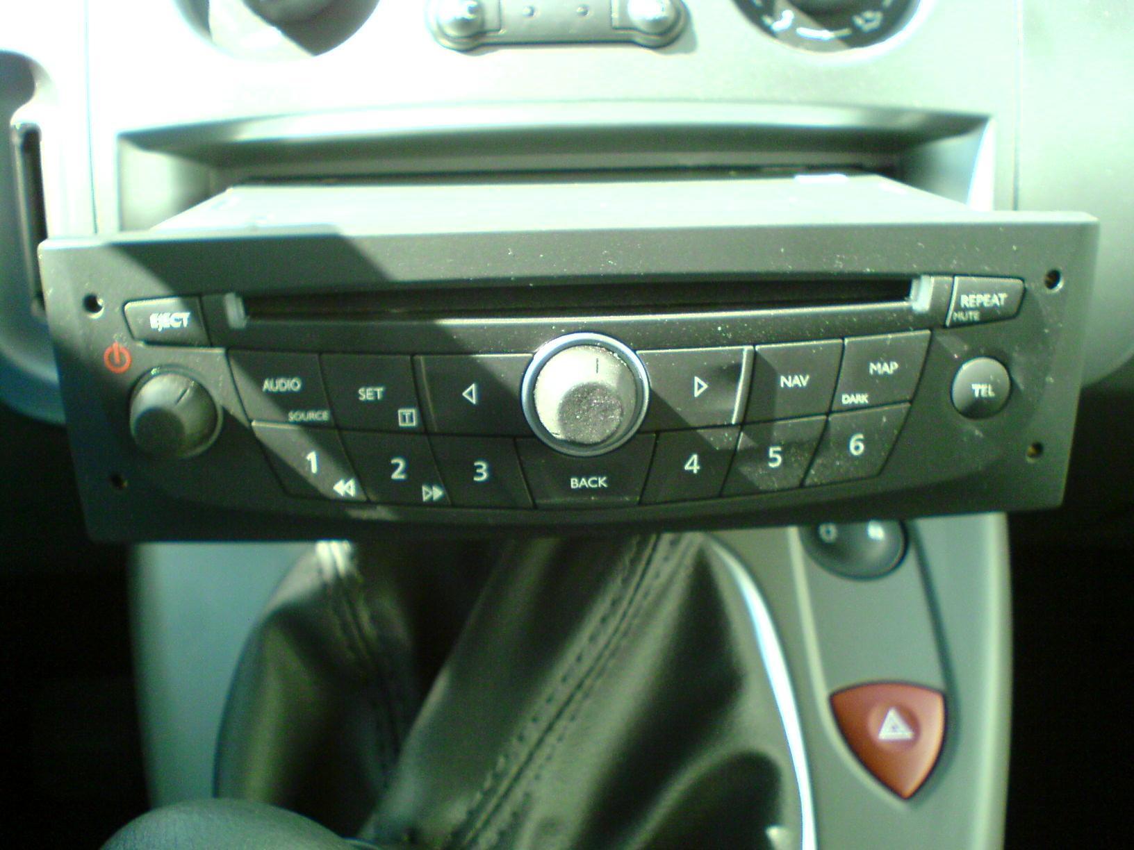 gps navigation carminat bluetooth cd quoi servent les connecteurs libres p0 plan te renault. Black Bedroom Furniture Sets. Home Design Ideas