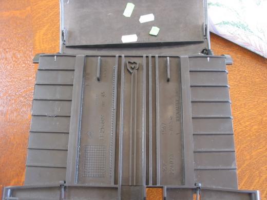 Laguna ii portillon de fermeture cache radio ne tient for Portillon plastique